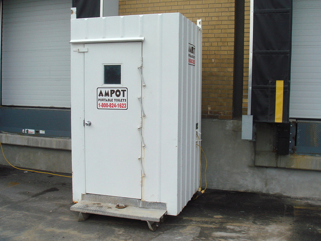 Explorer_Single_Heated_Portable_Restroom_Ampot_1